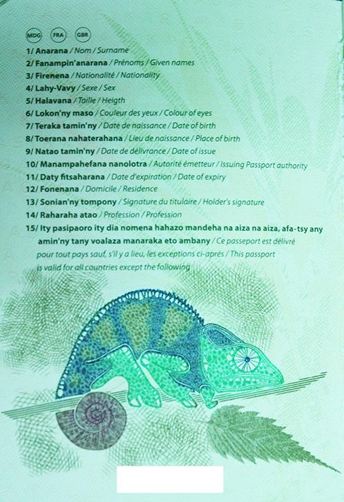 biométrique-corruption-semlex / Madagascar-Passport-Inside-2.jpg