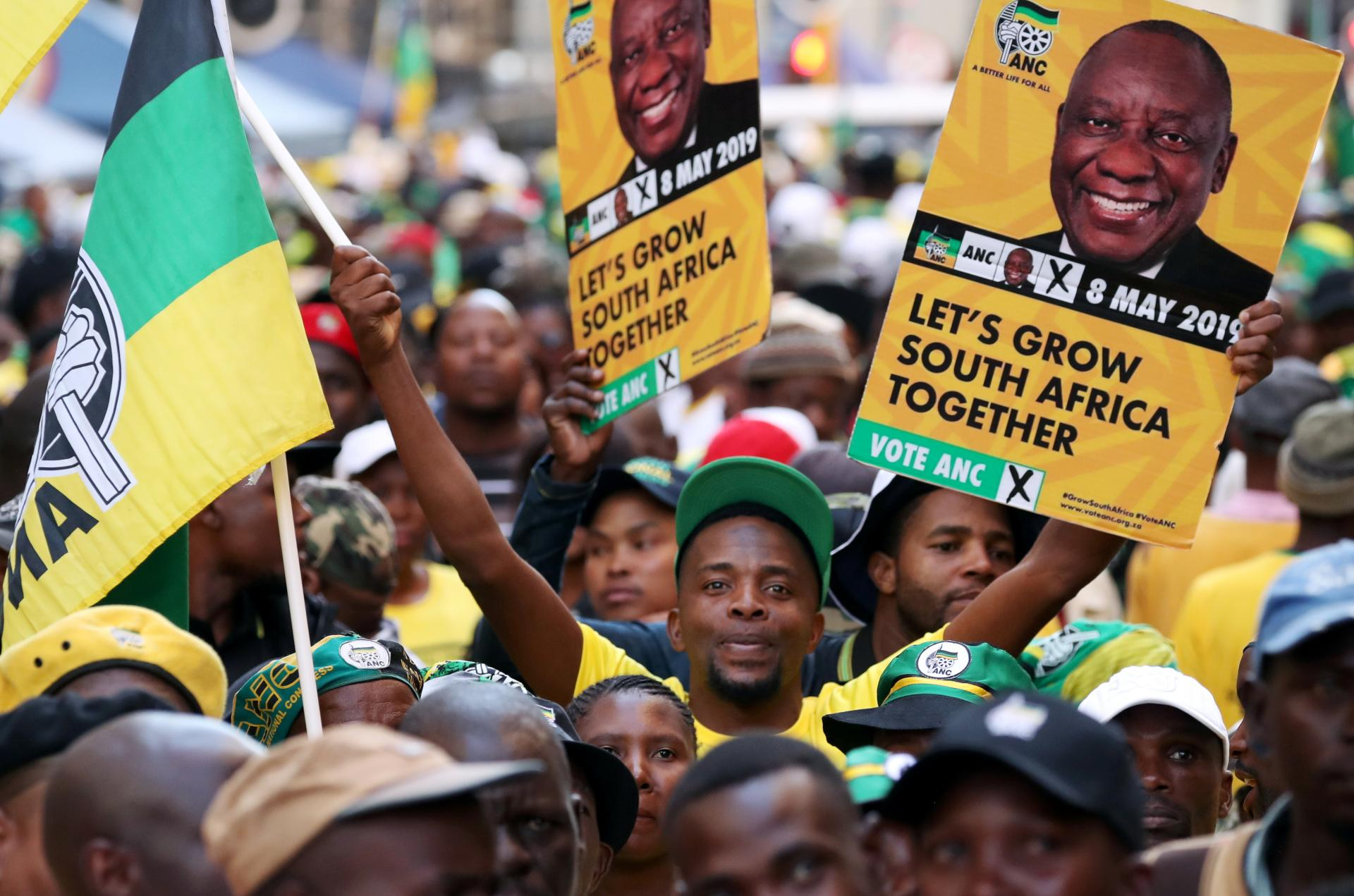 investigations/supporters-of-president-cyril-ramaphosa.jpg