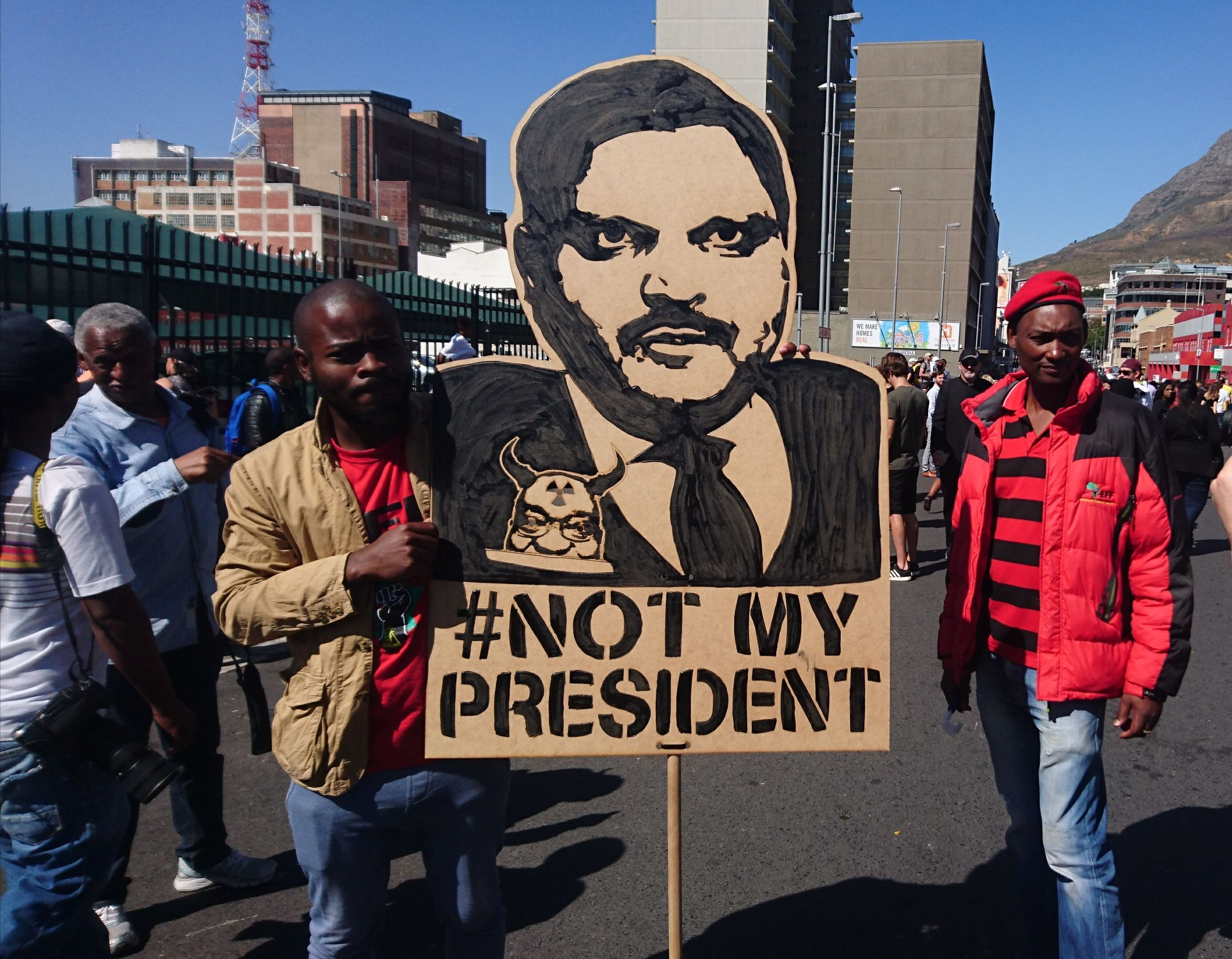 Anti-Gupta and Zuma Protesters in Cape Town (Photo: Discott CC BY-SA 4.0)