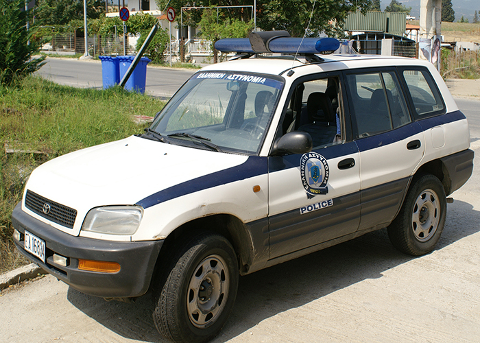 Greek police car 02