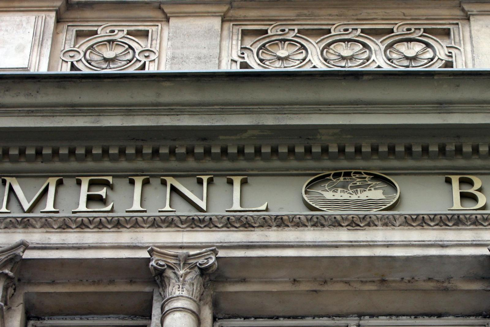 finance banks crime corruption money laundering asset stripping fraud embezzlement Austria