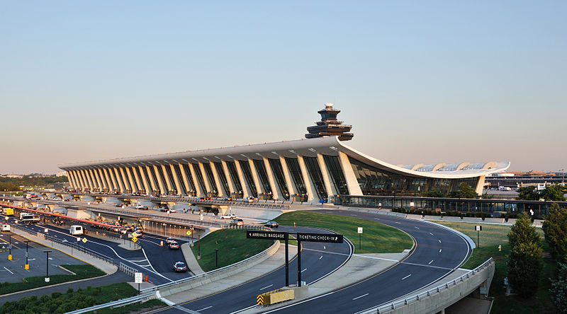 800px-Washington Dulles International Airport