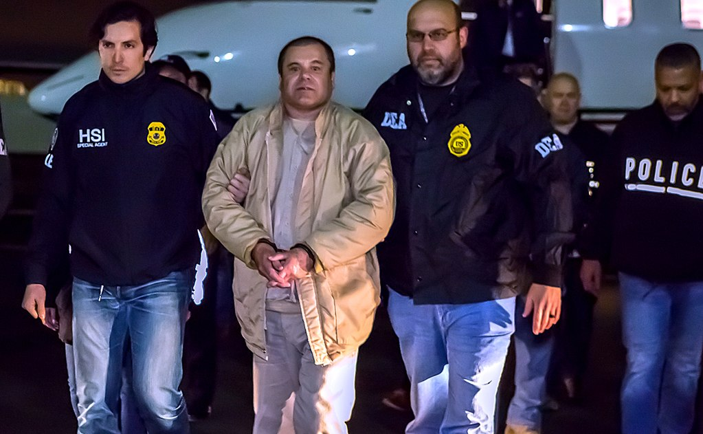 El Chapo in US custody during the extradition