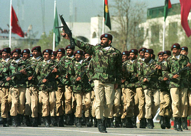 Soldiers of Pakistans Special Services Group (Source: Wikimedia Commons)