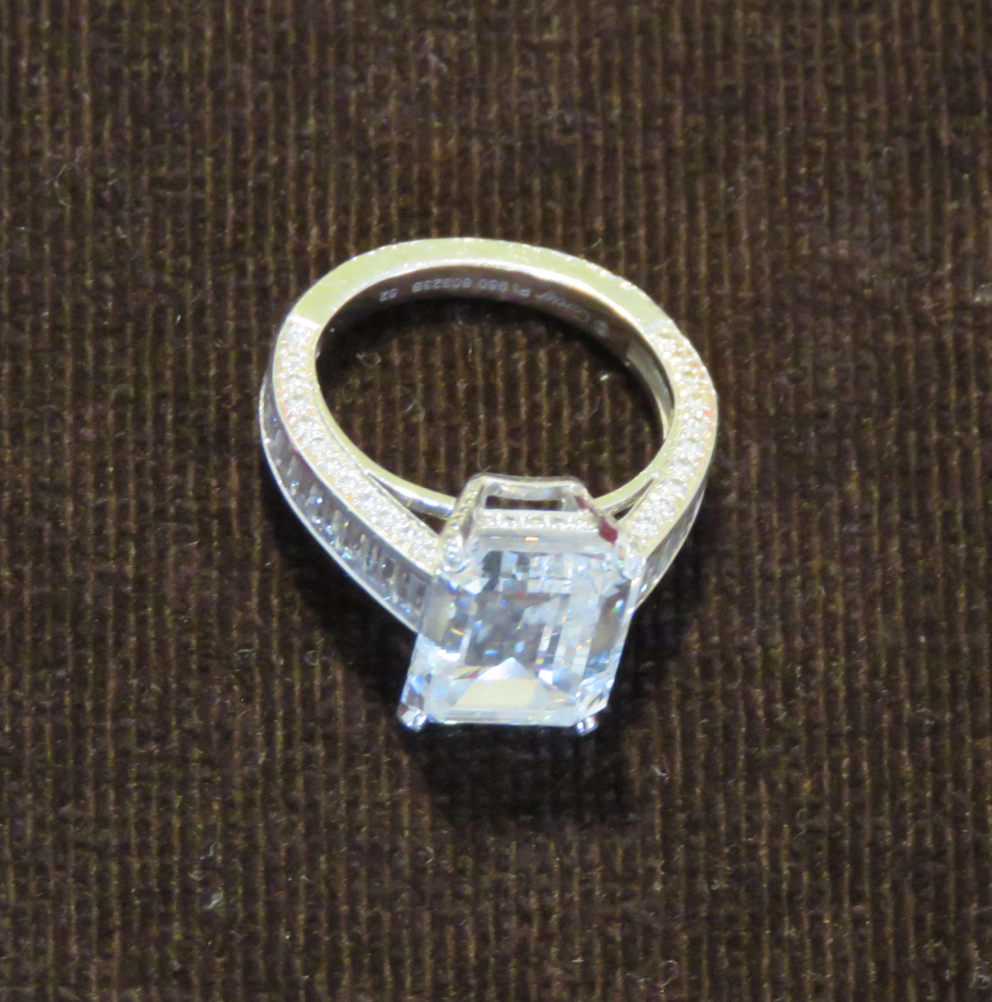 5916ad3bb8e4 Британская полиция конфисковала кольцо Cartier за полтора миллиона ...