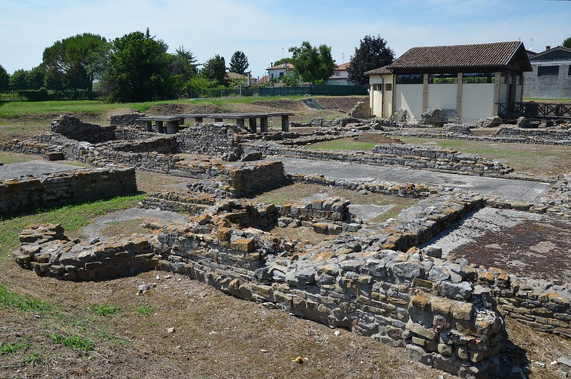 Gang Stealing Italian Archeological Treasures Busted
