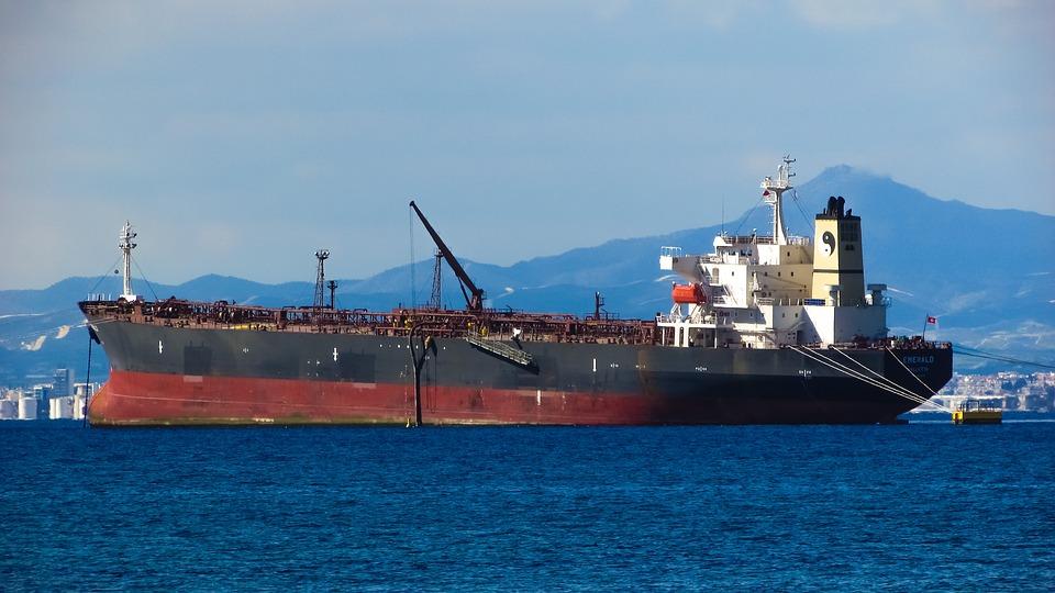 ship-2078428 960 720