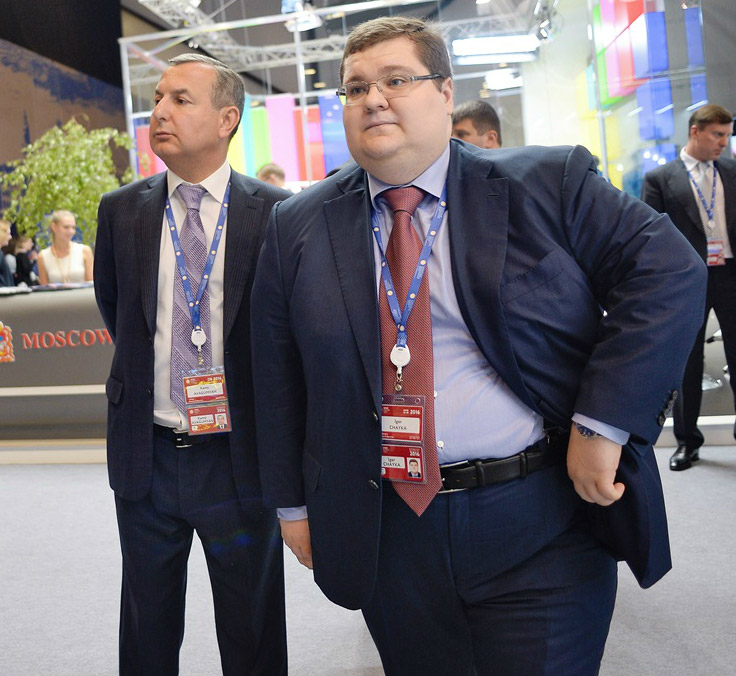 Kamo Avagumyan and Igor Chaika, Prosecutor General Yury Chaika's other son, at the Saint Petersburg Economic Forum in June 16, 2016. (Photo: Kristina Kormilitsyna/Kommersant)