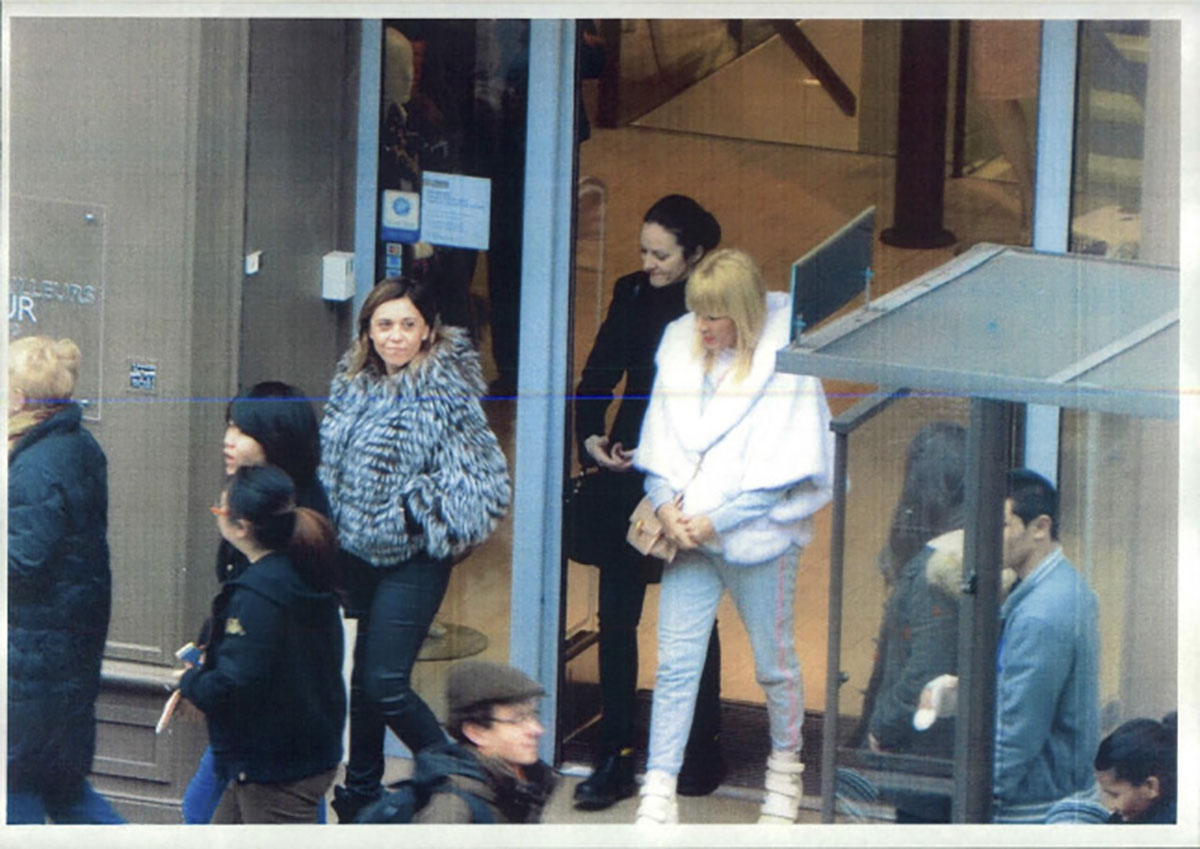 Elena Udrea and Alina Bica shopping in Paris in October 2014.
