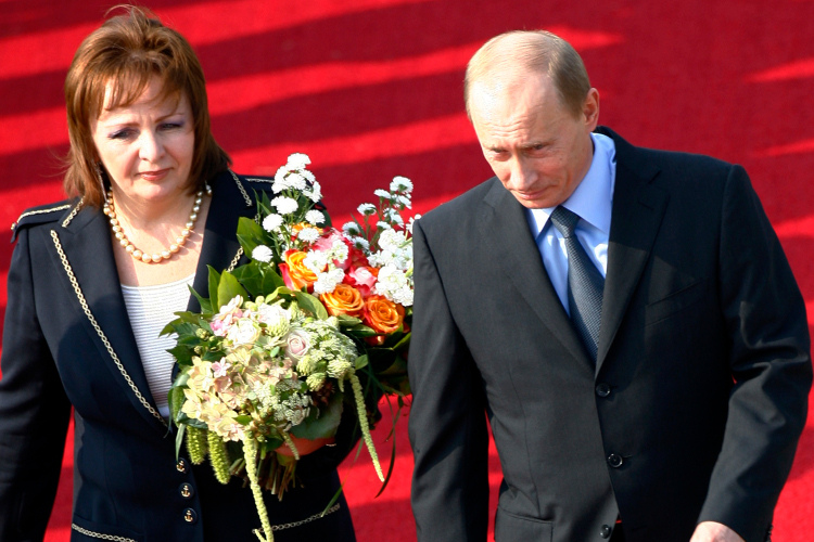 Putin S Ex Wife Likely Paid Millions For Land Near Moscow