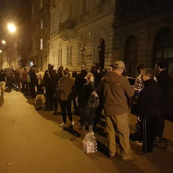 Hungarians wait in line to vote at the April 2018 general elections; Photo: Alexander Cooper