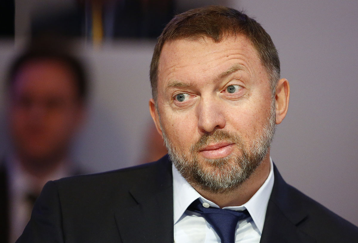 Russian tycoon and President of RUSAL Oleg Deripaska attends a lecture during the World Economic Forum (WEF) in the Swiss mountain resort of Davos January 22, 2015. Photo (c): Reuters / Ruben Sprich