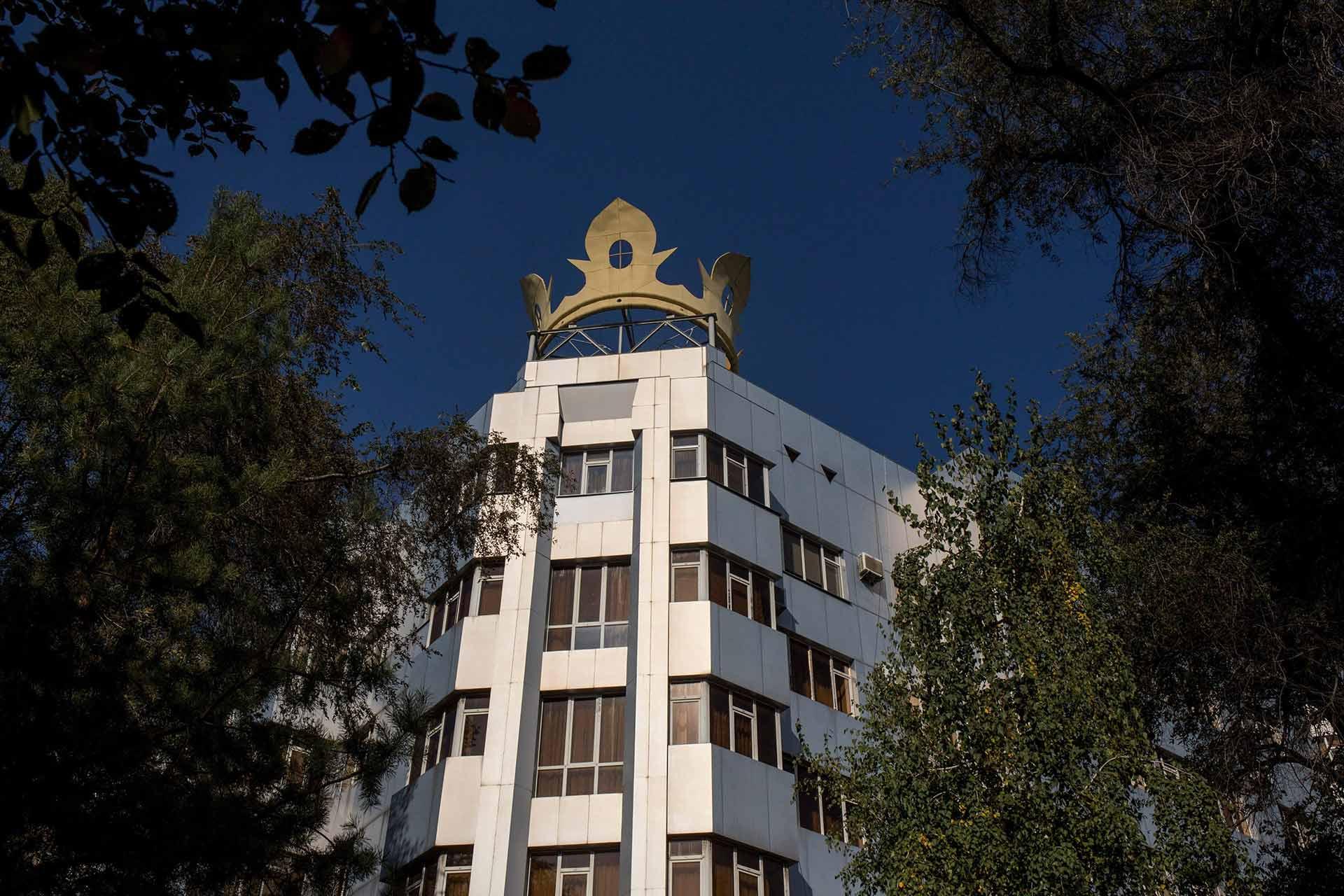 Осужденный и оштрафованный на 2 млрд сомов Матраимов приобрел еще один пентхаус в Бишкеке