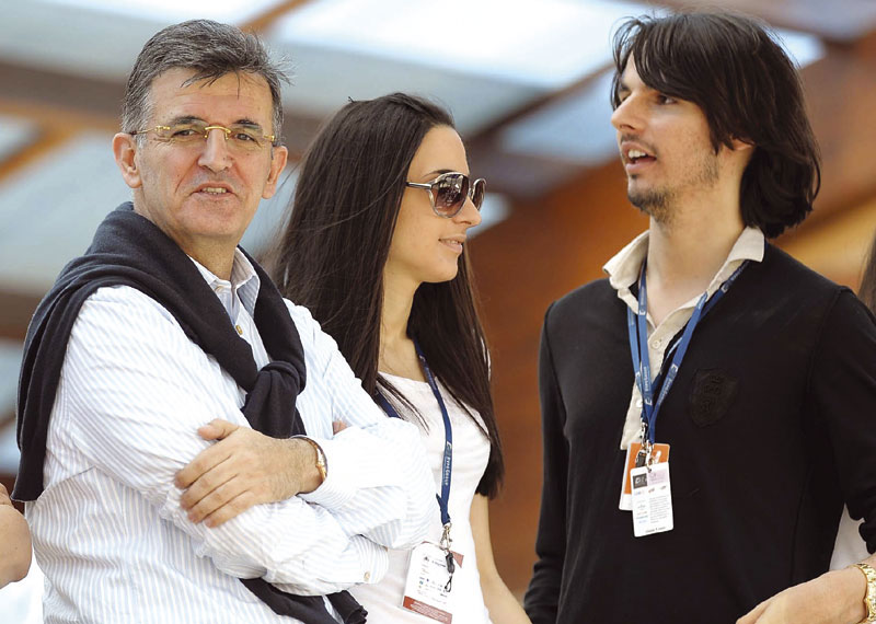 Svetozar Marovic pictured here with his daughter Milena and son Milos. The two men took €3.6 million in loans to build an aquapark but it was never built. The money disappeared and Budva municipality was left holding a €1.6 million debt. (Photo by Dan)